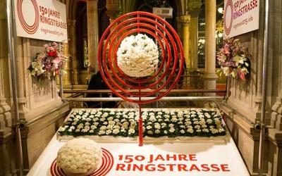 Das war der Blumenball 2015 – Backenbärte, Blumenhüte, Walzer