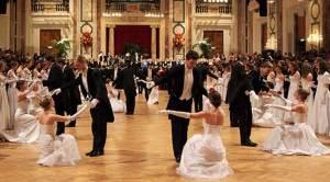 Eröffnungsfoto der Wiener Walzer Formation der Tanzschule Elmayer